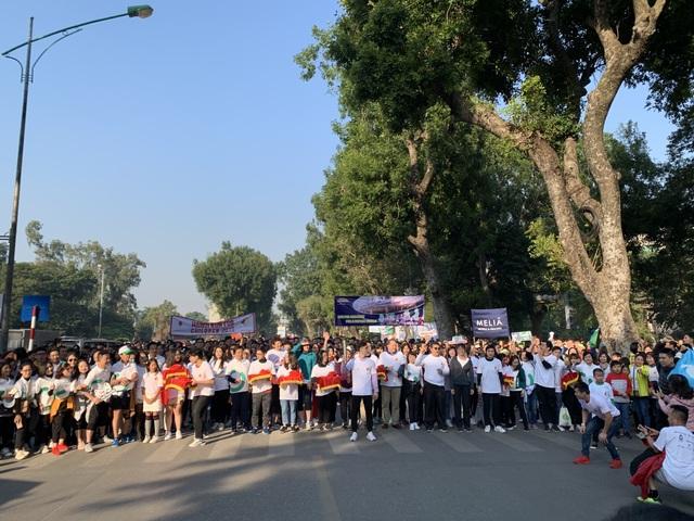 Các đại sứ tham gia chạy vì trẻ em Hà Nội 2019 - 8