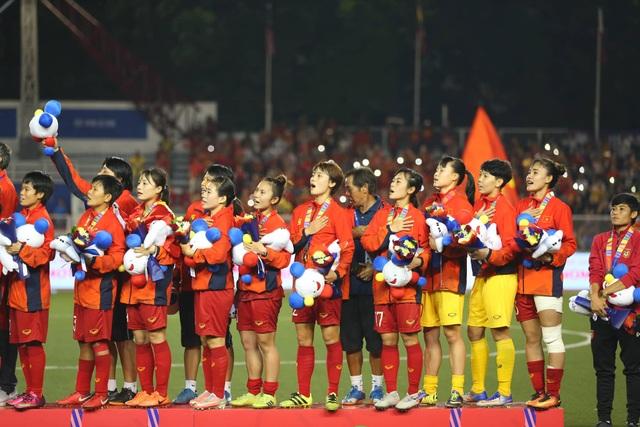 Ngỡ ngàng vẻ đẹp nữ tuyển thủ Việt Nam giành HCV SEA Games 30 - 11