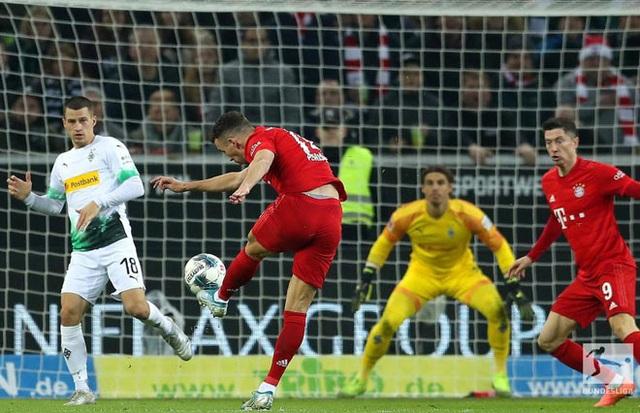 Bayern Munich thua ngược cay đắng trước đội đầu bảng Monchengladbach - Ảnh minh hoạ 2
