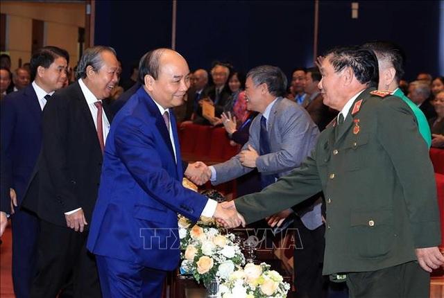 Thủ tướng: Học sinh miền Nam trên đất Bắc luôn giữ trọn niềm tin với Đảng, với Tổ quốc - 1