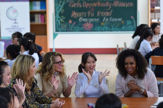 Bà Michelle Obama nhắn gửi nữ sinh Việt: Hãy theo đuổi ước mơ thông qua giáo dục - 6