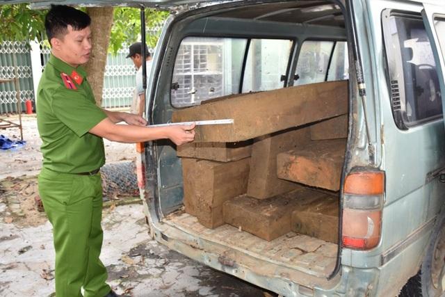 Cuối năm gia tăng tình hình vận chuyển, buôn bán gỗ lậu