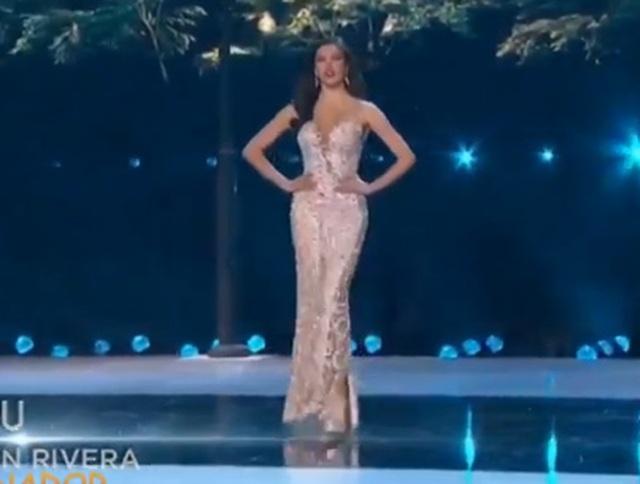 Hoàng Thùy dừng chân ở Top 20; Người đẹp Nam Phi giành danh hiệu Hoa hậu hoàn vũ - 9