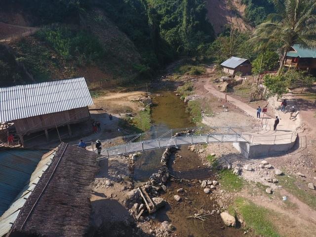 Khánh thành cây cầu mơ ước thứ 17, nâng bước chân bà con dân bản Na Kho - 22