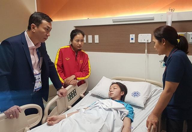 Tuyển thủ nữ Việt Nam kiệt sức, nhập viện cấp cứu - 1