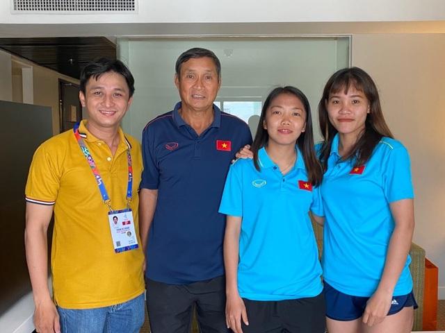 Những cô gái vàng bóng đá nữ SEA Games 30 giao lưu cùng độc giả Dân trí từ Philippines - 2