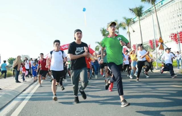 Hơn 20.000 sinh viên tham gia giải chạy vì sức khỏe và môi trường - 2