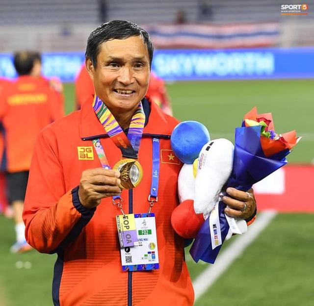 Những hình ảnh đầy ý nghĩa được dân mạng chia sẻ với đội bóng đá nữ Việt Nam - 3