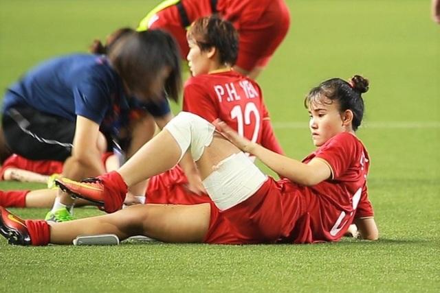 Những cô gái vàng bóng đá nữ SEA Games 30 giao lưu cùng độc giả Dân trí từ Philippines - 4