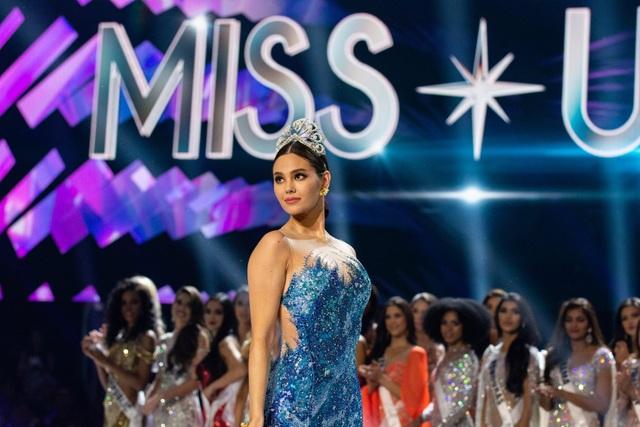Những hình ảnh đầy cảm xúc của chung kết Hoa hậu Hoàn vũ 2019 - 17