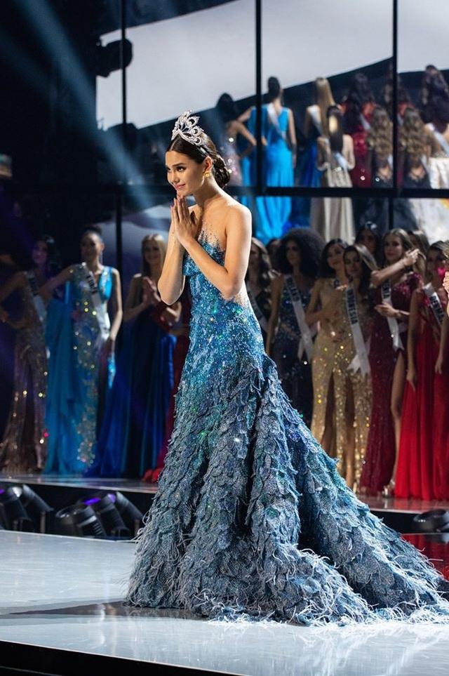 Những hình ảnh đầy cảm xúc của chung kết Hoa hậu Hoàn vũ 2019 - 20