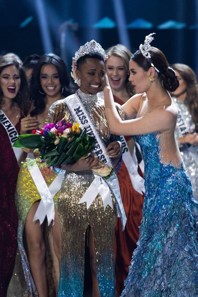Những hình ảnh đầy cảm xúc của chung kết Hoa hậu Hoàn vũ 2019 - 4