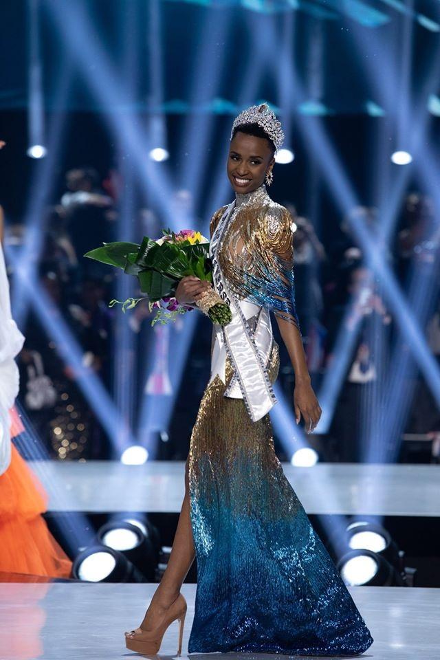 Những hình ảnh đầy cảm xúc của chung kết Hoa hậu Hoàn vũ 2019 - 15
