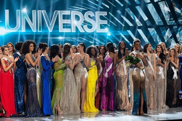 Những hình ảnh đầy cảm xúc của chung kết Hoa hậu Hoàn vũ 2019 - 5