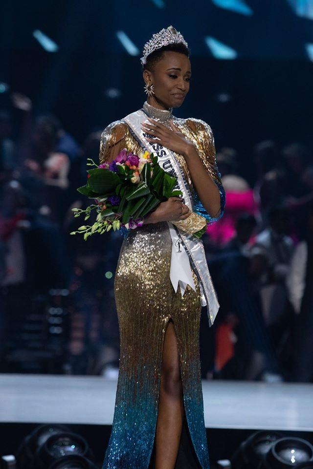 Những hình ảnh đầy cảm xúc của chung kết Hoa hậu Hoàn vũ 2019 - 14