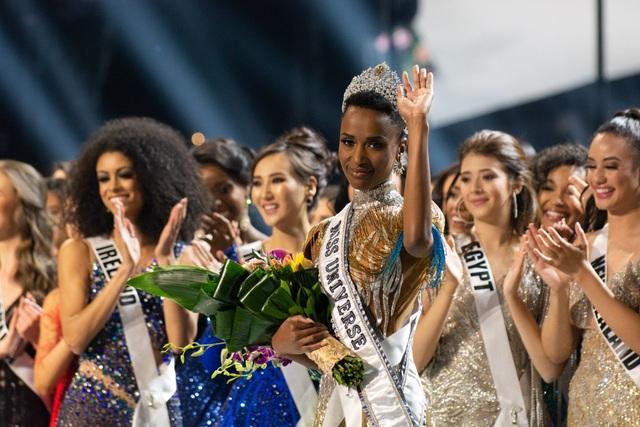 Những hình ảnh đầy cảm xúc của chung kết Hoa hậu Hoàn vũ 2019 - 13