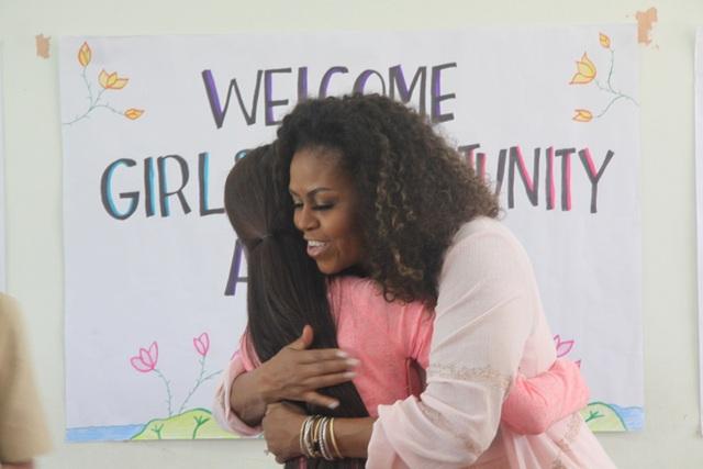 Bà Michelle Obama nhắn gửi nữ sinh Việt: Hãy theo đuổi ước mơ thông qua giáo dục - 4