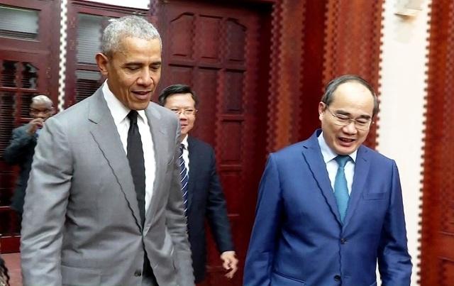 Cựu Tổng thống Hoa Kỳ Barack Obama bất ngờ trở lại TPHCM - 1