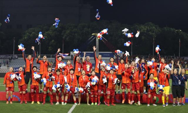 HDBank thưởng nóng 500 triệu đồng cho Đội tuyển Bóng đá nữ Việt Nam - 2