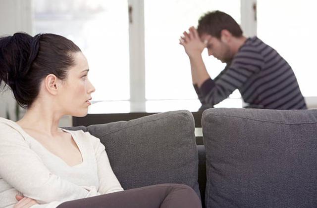 """Là vợ chồng, đừng cố """"vạch lá tìm sâu"""" - 1"""