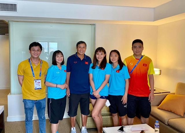 Những cô gái vàng bóng đá nữ SEA Games 30 giao lưu cùng độc giả Dân trí từ Philippines - 1