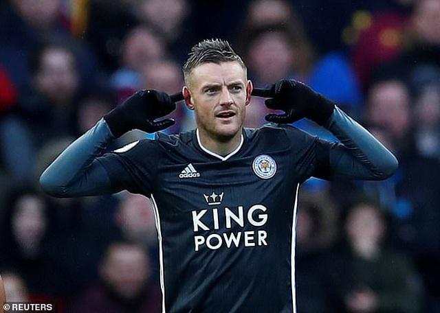 Leicester thăng hoa, James Vardy ghi dấu ấn lịch sử - 1