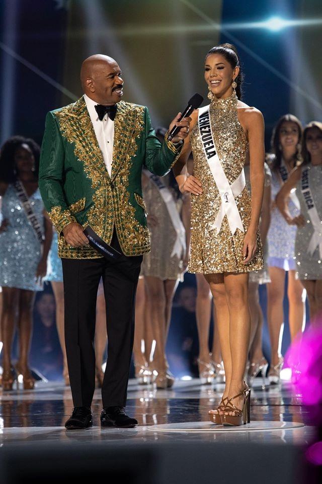 Những hình ảnh đầy cảm xúc của chung kết Hoa hậu Hoàn vũ 2019 - 22