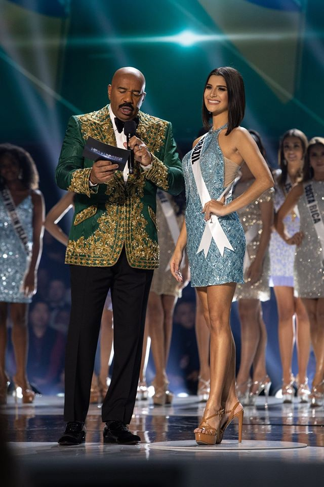 Những hình ảnh đầy cảm xúc của chung kết Hoa hậu Hoàn vũ 2019 - 23