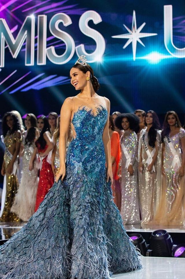 Những hình ảnh đầy cảm xúc của chung kết Hoa hậu Hoàn vũ 2019 - 19