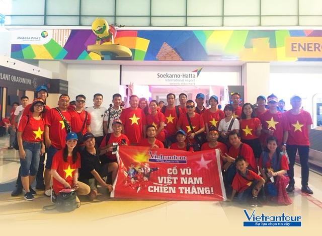 Vietrantour: Cháy tour Manila rinh cúp vàng Sea Games cùng Tuyển Việt Nam - 3