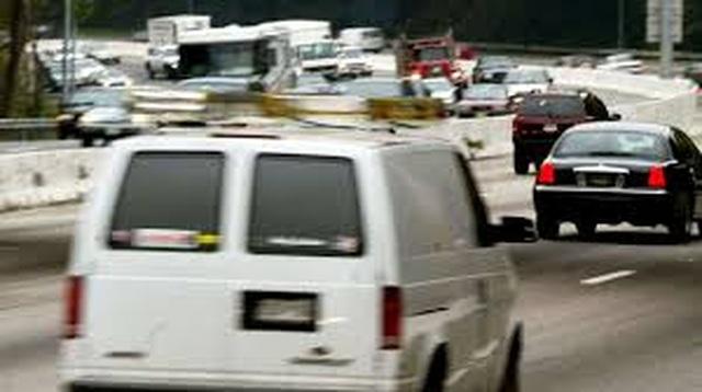 Tin đồn xe tải trắng bí ẩn gieo rắc sợ hãi khắp nước Mỹ - 1