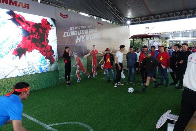 Yanmar mở gian hàng nhà tài trợ cổ vũ bóng đá trận đấu Việt Nam - Thái Lan - 3