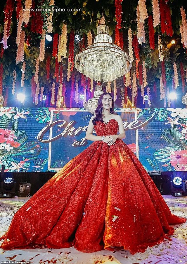 """Sinh nhật tuổi 18 của cô gái Philippines được so sánh với phim """"Con nhà siêu giàu Châu Á"""" - 6"""