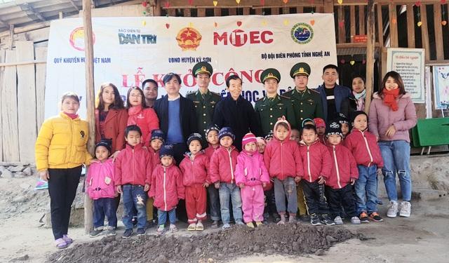 Báo Dân trí khởi công xây dựng trường Mầm non sát biên giới Việt - Lào - 4