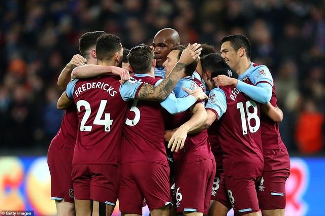West Ham 1-3 Arsenal: Chiến thắng đầu tay cho Ljungberg - 4