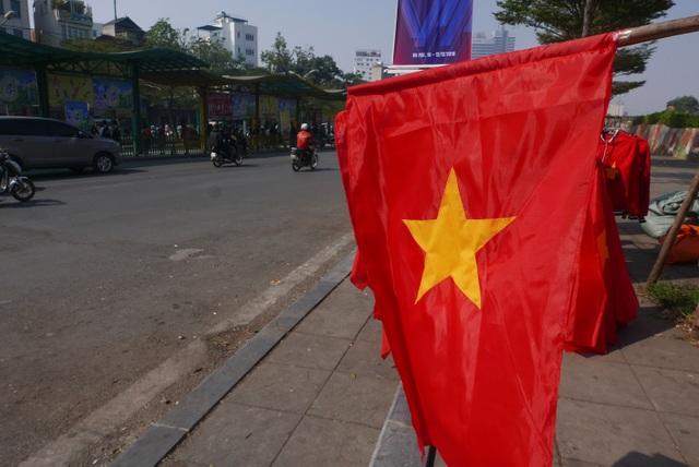 Không khí cổ vũ bóng đá rạo rực khắp Hà Nội - 8