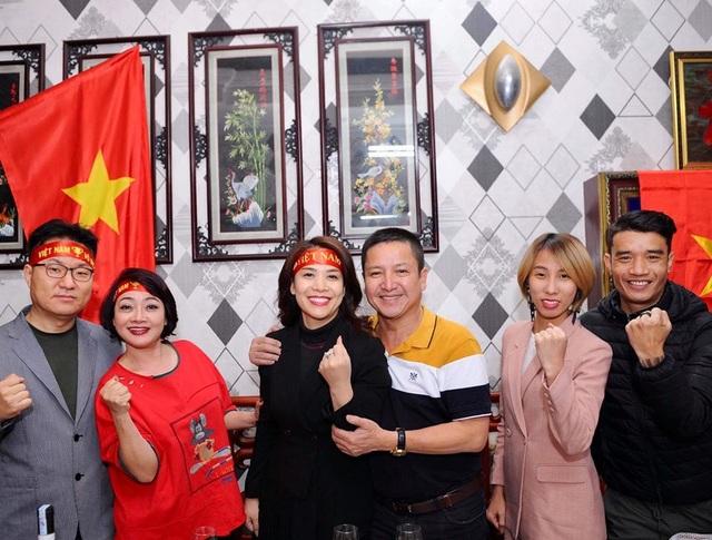 Nghệ sĩ Việt vỡ oà, nghẹn ngào khi U22 Việt Nam đoạt HCV SEA Games  - 3