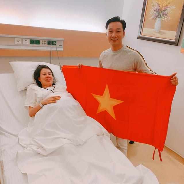 Nghệ sĩ Việt vỡ oà, nghẹn ngào khi U22 Việt Nam đoạt HCV SEA Games  - 8