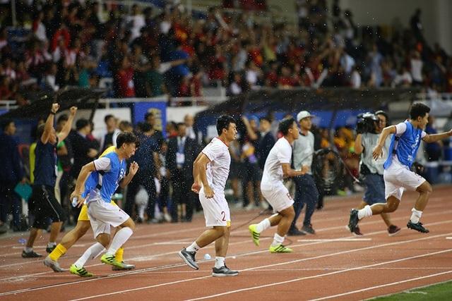 Quang Hải tiếc nuối vì hụt cơ hội ra sân phút cuối trước U22 Indonesia - 6