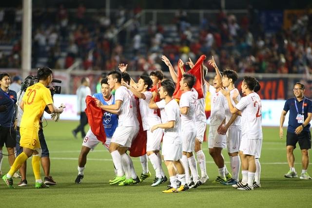[ẢNH] Cảm xúc hạnh phúc của cầu thủ U22 Việt Nam trong chiến thắng lịch sử tại SEA Games - 21