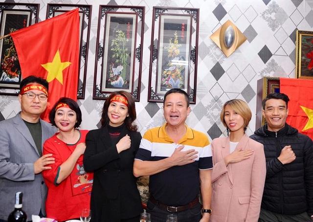Nghệ sĩ Việt vỡ oà, nghẹn ngào khi U22 Việt Nam đoạt HCV SEA Games  - 2