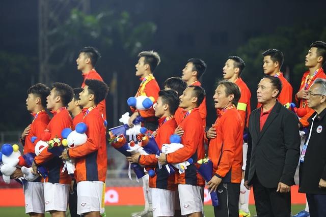 [ẢNH] Cảm xúc hạnh phúc của cầu thủ U22 Việt Nam trong chiến thắng lịch sử tại SEA Games - 26