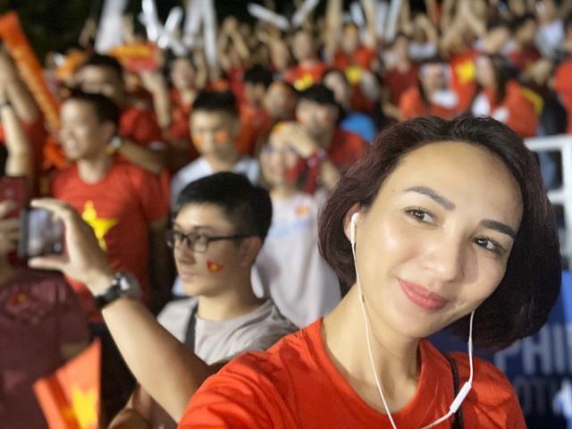 Sao Việt vỡ oà trước chiến thắng của U22 Việt Nam tại SEA Games 30 - 1
