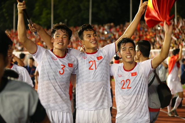 [ẢNH] Cảm xúc hạnh phúc của cầu thủ U22 Việt Nam trong chiến thắng lịch sử tại SEA Games - 22