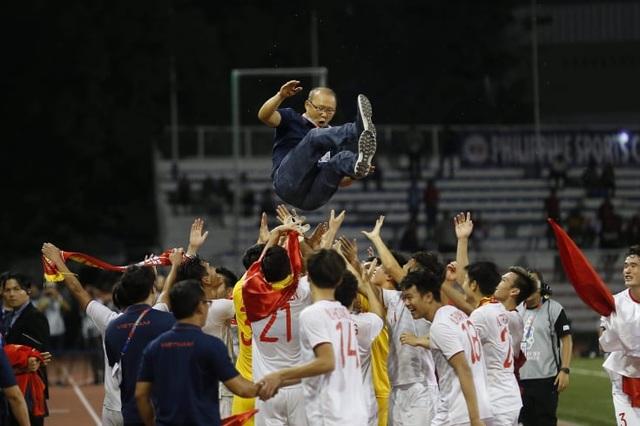 [ẢNH] Cảm xúc hạnh phúc của cầu thủ U22 Việt Nam trong chiến thắng lịch sử tại SEA Games - 25