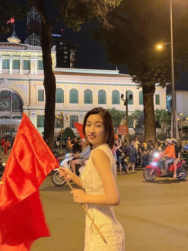 Nghệ sĩ Việt vỡ oà, nghẹn ngào khi U22 Việt Nam đoạt HCV SEA Games  - 6