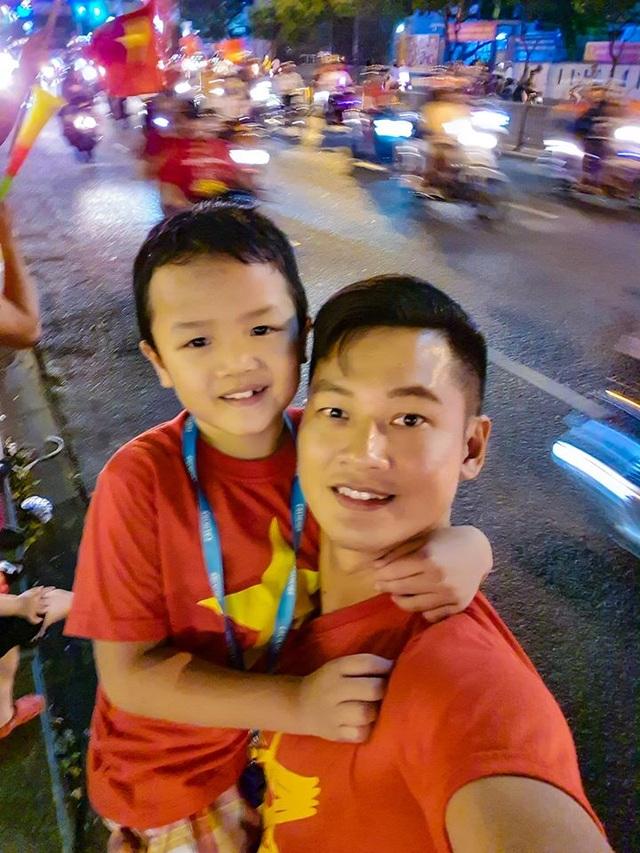 Nghệ sĩ Việt vỡ oà, nghẹn ngào khi U22 Việt Nam đoạt HCV SEA Games  - 7