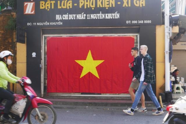 Không khí cổ vũ bóng đá rạo rực khắp Hà Nội - 7