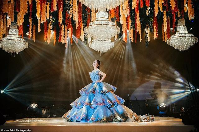 """Sinh nhật tuổi 18 của cô gái Philippines được so sánh với phim """"Con nhà siêu giàu Châu Á"""" - 4"""