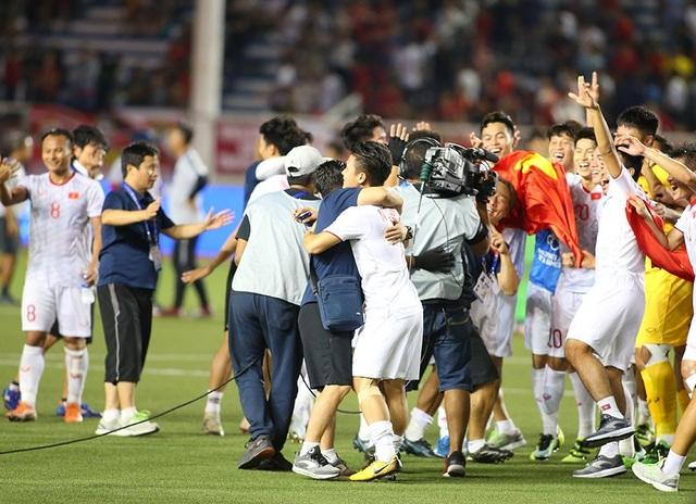 Quang Hải tiếc nuối vì hụt cơ hội ra sân phút cuối trước U22 Indonesia - 9